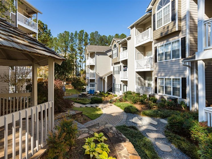 Courtyard Social Areas at Park Summit Apartments, Decatur, GA 30033