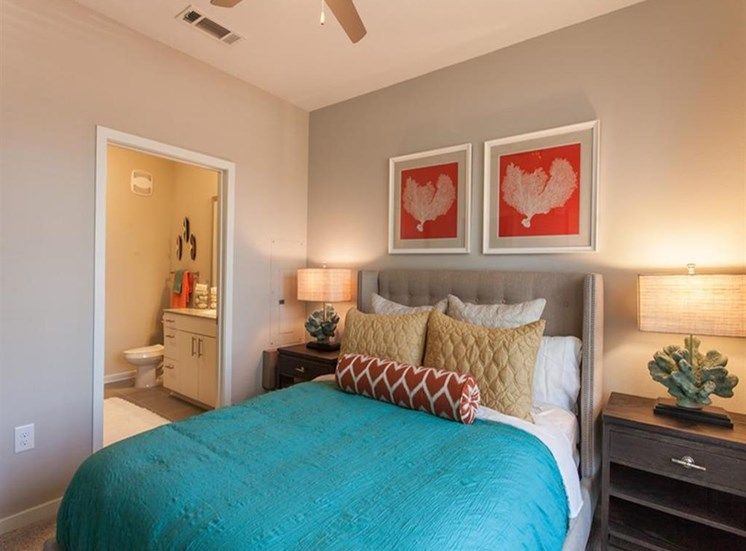 Spacious Bedroom With Bathroom at Spyglass Seaside, Charleston, 29412