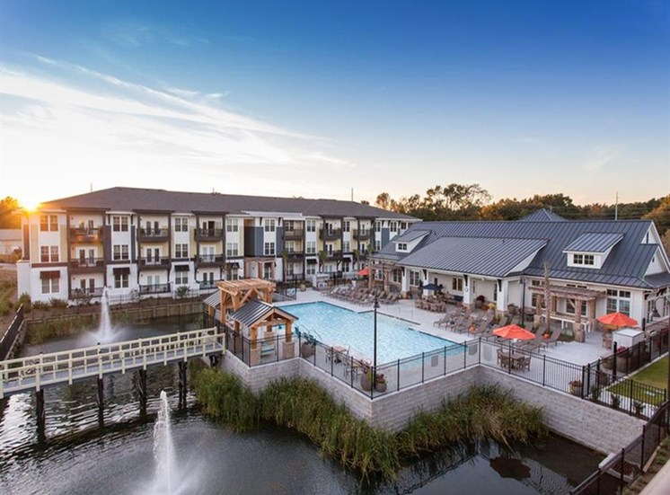 Outdoor Heated Saltwater Pool With Hot Tub Open Year-Round at Spyglass Seaside, Charleston, SC