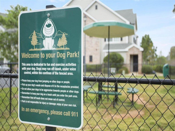 Your dogs need exercise and room to run around! Enjoy our on-site Pet Park at The Arlington at Eastern Shore Apartments, Spanish Fort, AL 36527