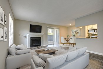 1730 Hunters Trace Dr 1-2 Beds Apartment for Rent Photo Gallery 1