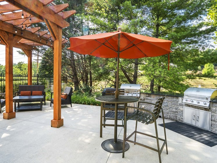 Looking for the perfect way to entertain guests or enjoy time spent with family and friends? Utilize the newly renovated Grilling Areas at The Lexington Apartments, Nashville, TN 37209