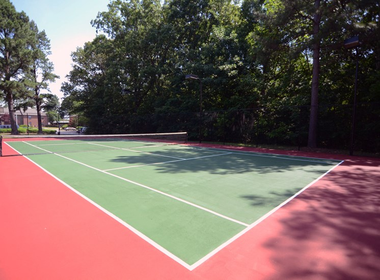 If you love nothing more than a good game of tennis, we have a Lighted Tennis Court at The Summit Apartments, Memphis, TN 38128