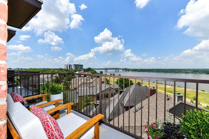 Take in the stunning views of the Mississippi River with the oversized and semi-private balconies in your new apartment home at The Tennessee Brewery, Memphis, TN 38103