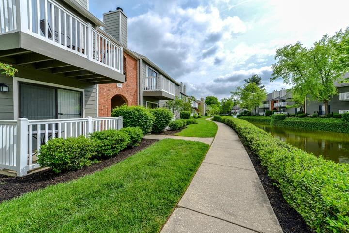 Meticulously maintained grounds with mature trees surround the gorgeous lakes and beautiful landscaping at Waterford Place Apartments, Louisville, KY 40207