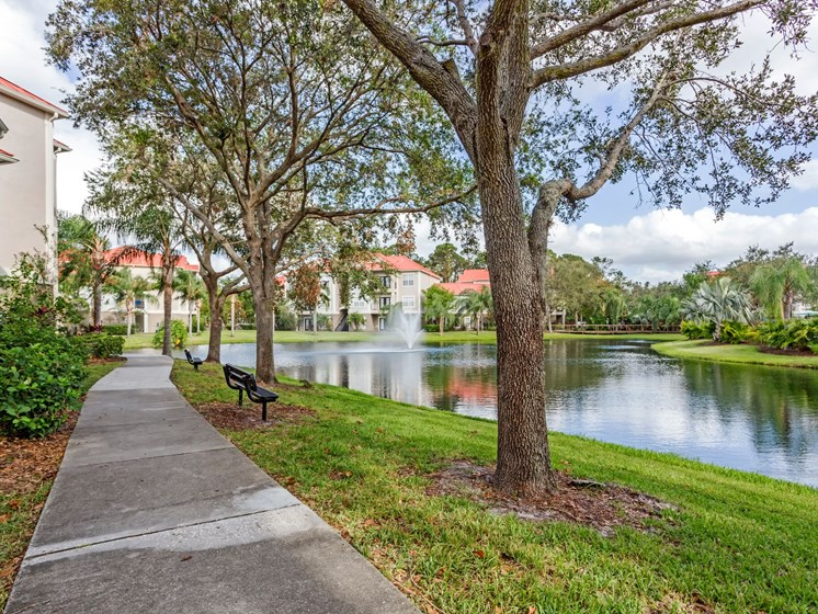 Enjoy a Relaxing Stroll on the Walking Trail Surrounding the Gorgeous Lake at Westlake Apartment Homes, Sanford, FL 3277