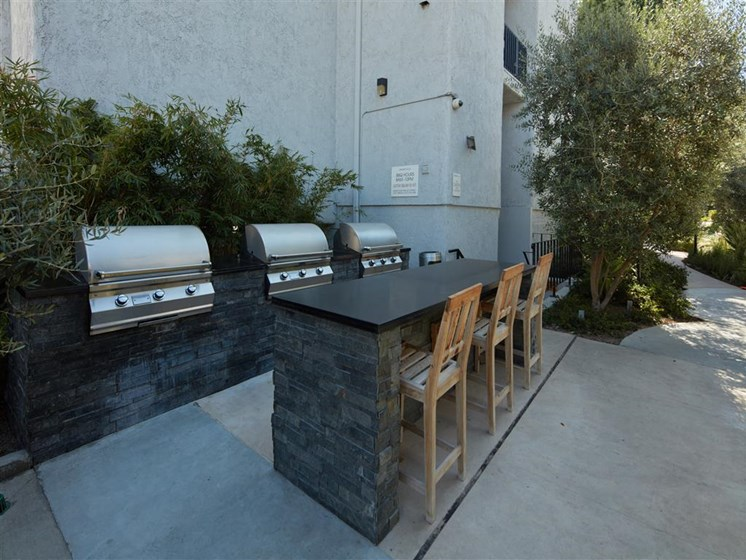 Outdoor Grill With Intimate Seating Area at Warner Villa, Woodland Hills, California