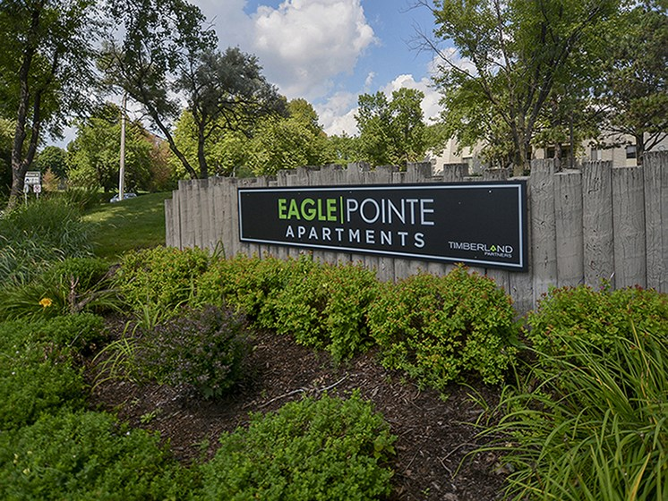 Exterior Sign at Eagle Pointe