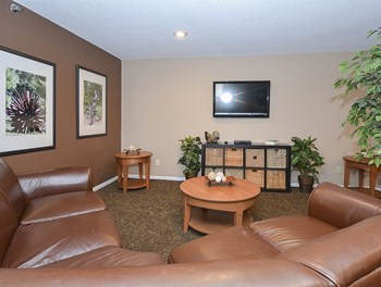 560 Gorman Street 1-3 Beds Apartment for Rent Photo Gallery 1
