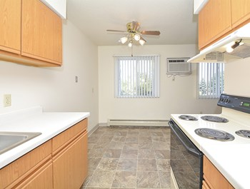 936 41st St NW 1-2 Beds Apartment for Rent Photo Gallery 1
