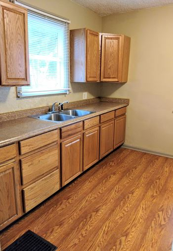 406 Moody St. 2 Beds Apartment for Rent Photo Gallery 1