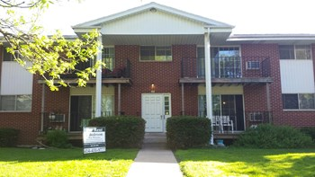 204-206 Williamsburg Drive 2 Beds Apartment for Rent Photo Gallery 1