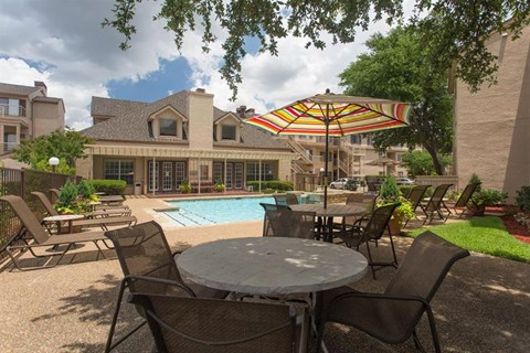 Casa Valley Apartments Irving, TX Picnic Area