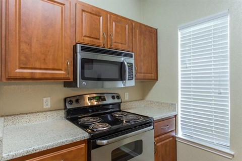Casa Valley Apartments Irving, TX Stainless Steel Appliances
