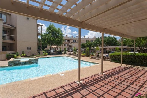 Casa Valley Apartments Irving, TX Swimming Pool with Sundeck