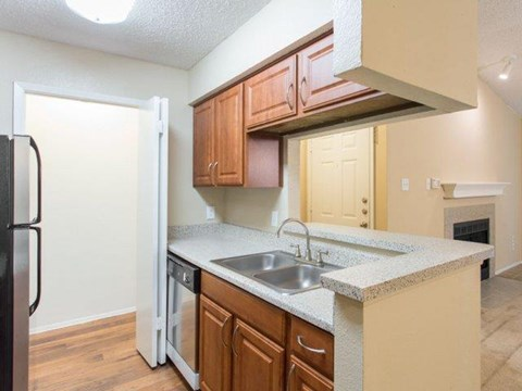 Cinnamon Park Apartments Arlington, TX Kitchen