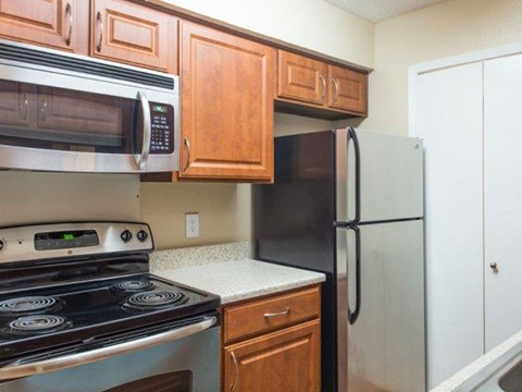 Cinnamon Park Apartments Arlington, TX Stainless Steel Appliances
