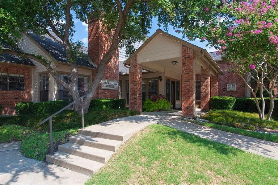 Summer Meadows Apartment Homes Plano, TX Leasing Office