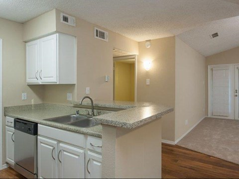 Summers Crossing Apartments Plano, TX Kitchen