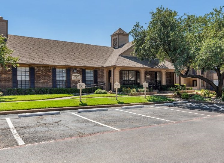 The Arbors of Euless| Leasing Center