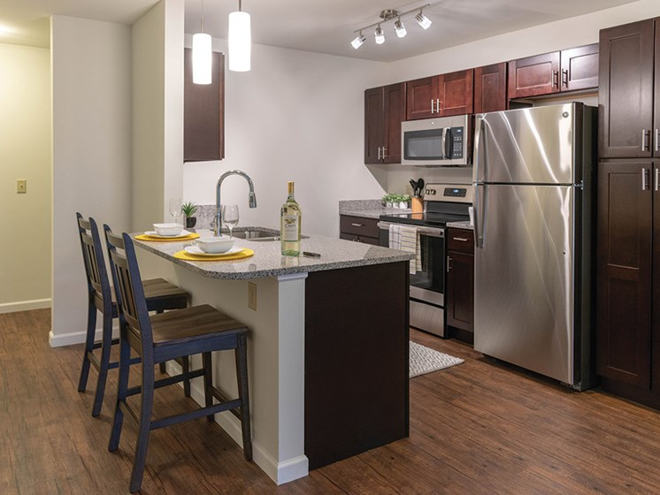 Fully Furnished Kichen at Deerfield Place Luxury Apartments, Utica, 13502