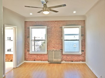 425 S Detroit St 1 Bed Apartment for Rent Photo Gallery 1