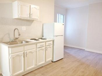 5640 Santa Monica Blvd Studio-1 Bed Apartment for Rent Photo Gallery 1