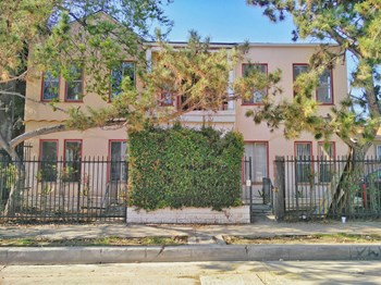 637 - 647 Maltman Ave Studio-3 Beds Apartment for Rent Photo Gallery 1