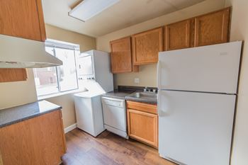 859 South Greenbrier Street Studio-2 Beds Apartment for Rent Photo Gallery 1