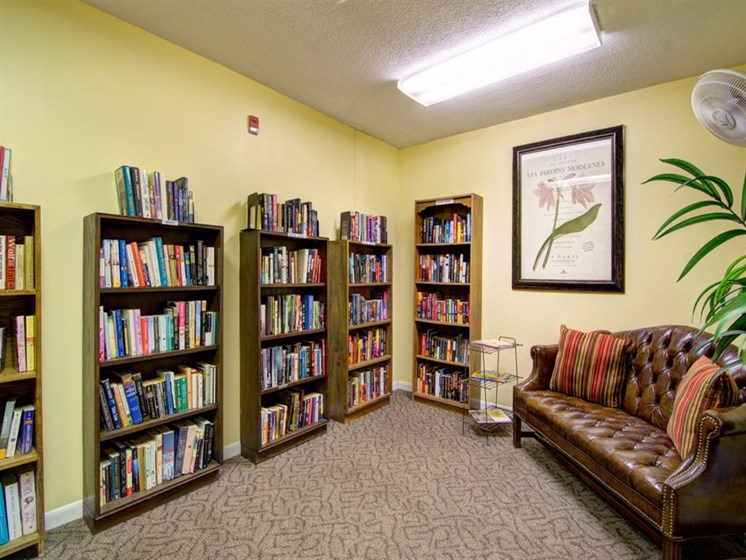 Library & Reading Lounge