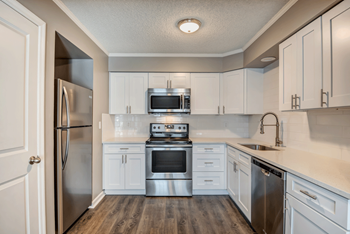 3815 Somerset Dr 1-2 Beds Apartment for Rent Photo Gallery 1