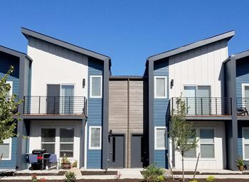 2602 NW Elm Avenue 2-3 Beds Townhouse for Rent Photo Gallery 1