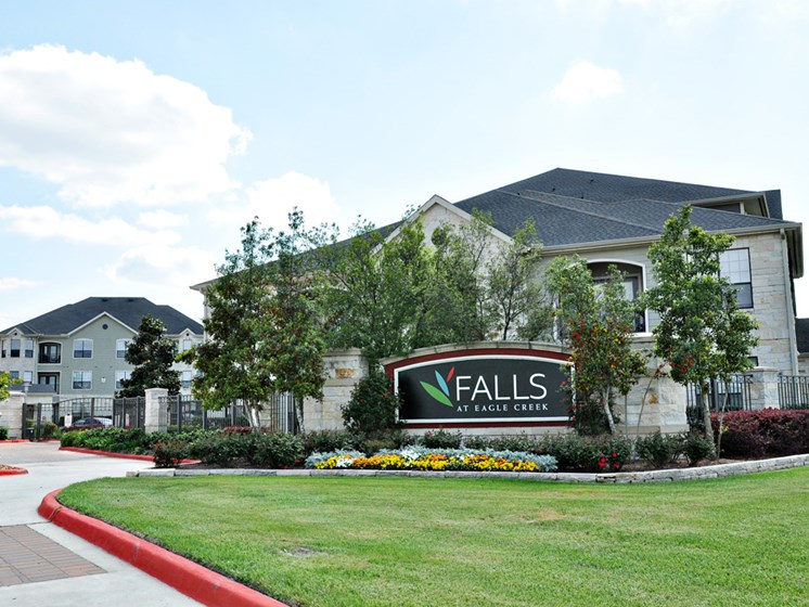 Stunning Mature Landscape at Falls at Eagle Creek, Humble, TX 77396