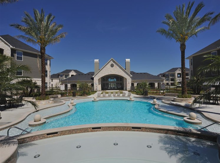Upscale Lap and Lounge Swimming Pools with Cabana at Falls at Eagle Creek, Humble, 77396