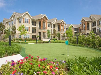 15903 Yorktown Crossing Parkway 1-2 Beds Apartment for Rent Photo Gallery 1