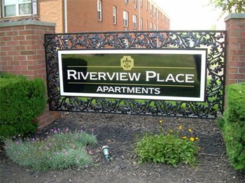 810 Riverview Place 17B 1-2 Beds Apartment for Rent Photo Gallery 1