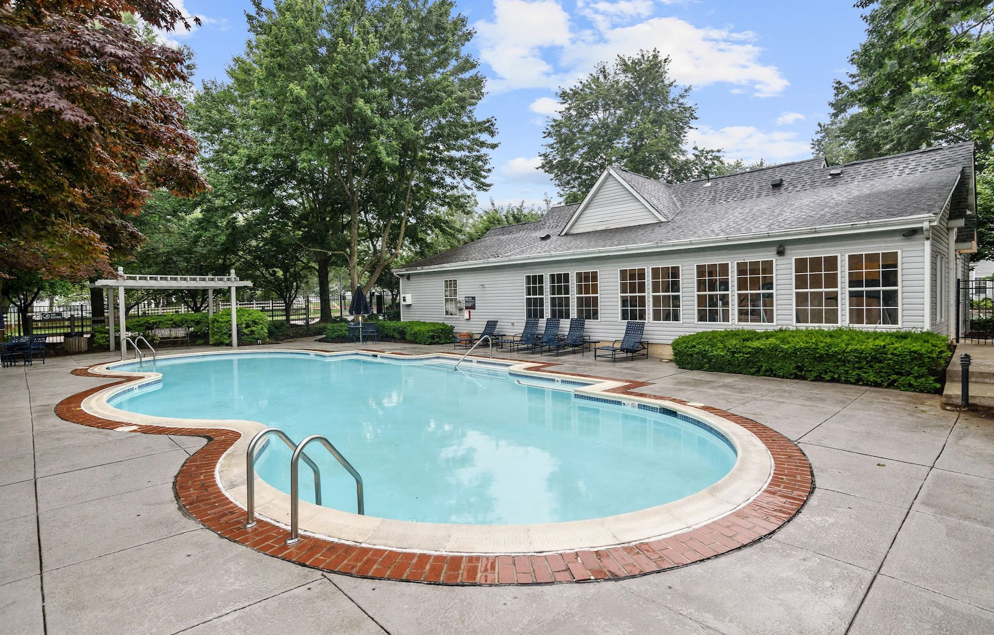 Apartments in Owings Mills | Lakeside Mill