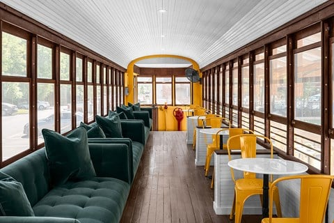 Very few cities in the nation can claim as close a tie to therailroadasChattanooga. Beginning with hand-drawn trolleys, but thenwere replaced with electric streetcars in 1889. Come ride the rails