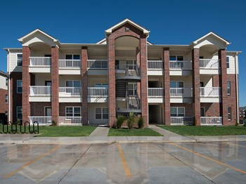 5401 Rock Chalk Drive  1-2 Beds Apartment for Rent Photo Gallery 1