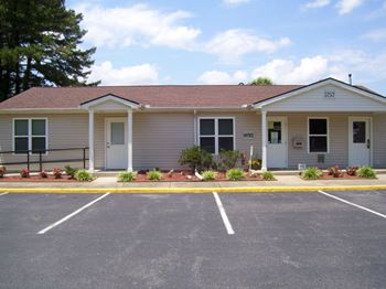 5757 Godwin Blvd. 1-2 Beds Apartment for Rent Photo Gallery 1