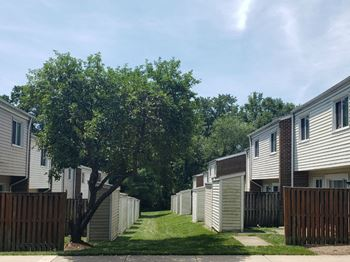 Managed thru Mt. Vernon House 3 Beds Apartment for Rent Photo Gallery 1