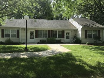 104 Miles Lane, Unit 110 1-2 Beds Apartment for Rent Photo Gallery 1