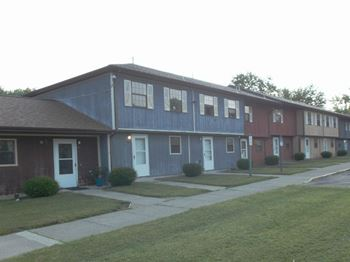 100 McKinley Avenue 2-3 Beds Apartment for Rent Photo Gallery 1