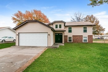 4044 Hounds Hill Dr 3 Beds House for Rent Photo Gallery 1