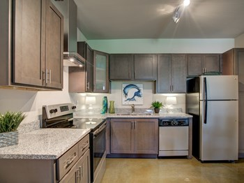600 67th Avenue North 1-2 Beds Apartment for Rent Photo Gallery 1