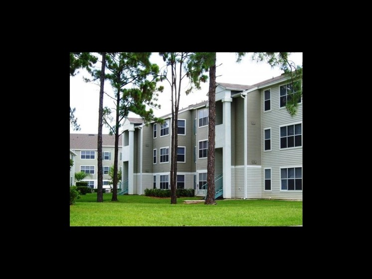 apartment building exterior_The Crossings at Cape Coral Cape Coral, FL