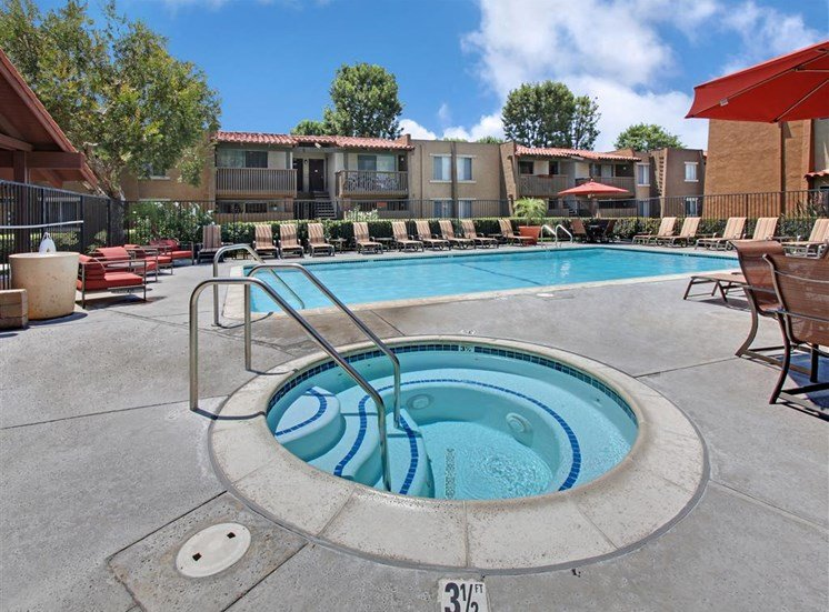 Pool and Spa l Apartments in Cypress, CA | Casa Grande Apartment Homes
