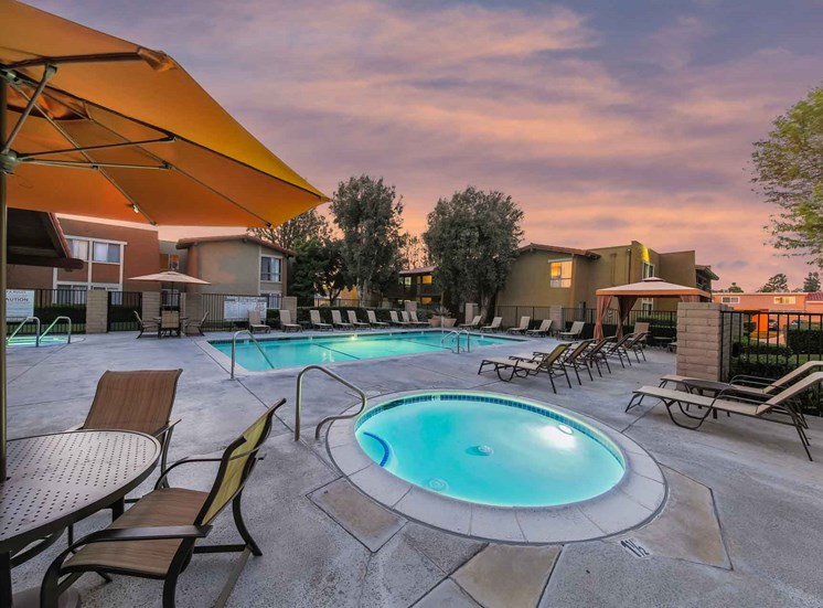 Pool and Spa | Casa Grande Apartment Homes in Cypress CA