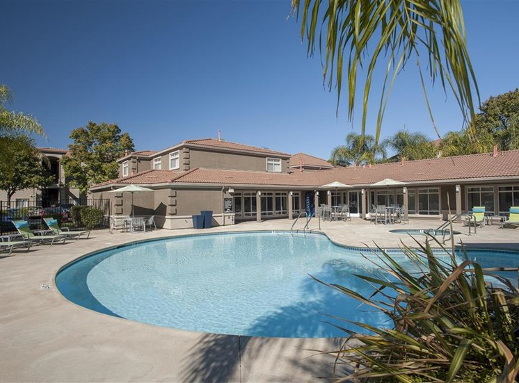 Pool at Bella Vista Apartments in Elk Grove CA