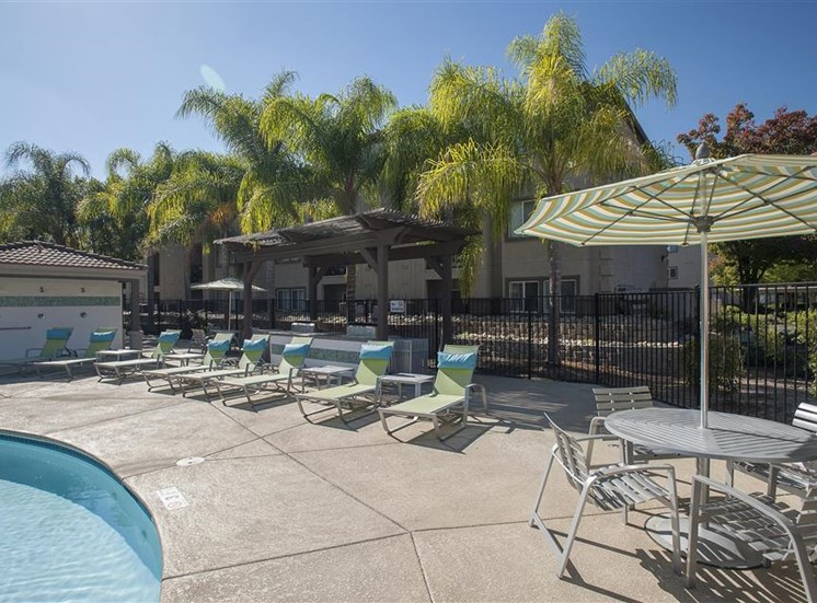 Lounge chairs at Bella Vista Apartments in Elk Grove CA